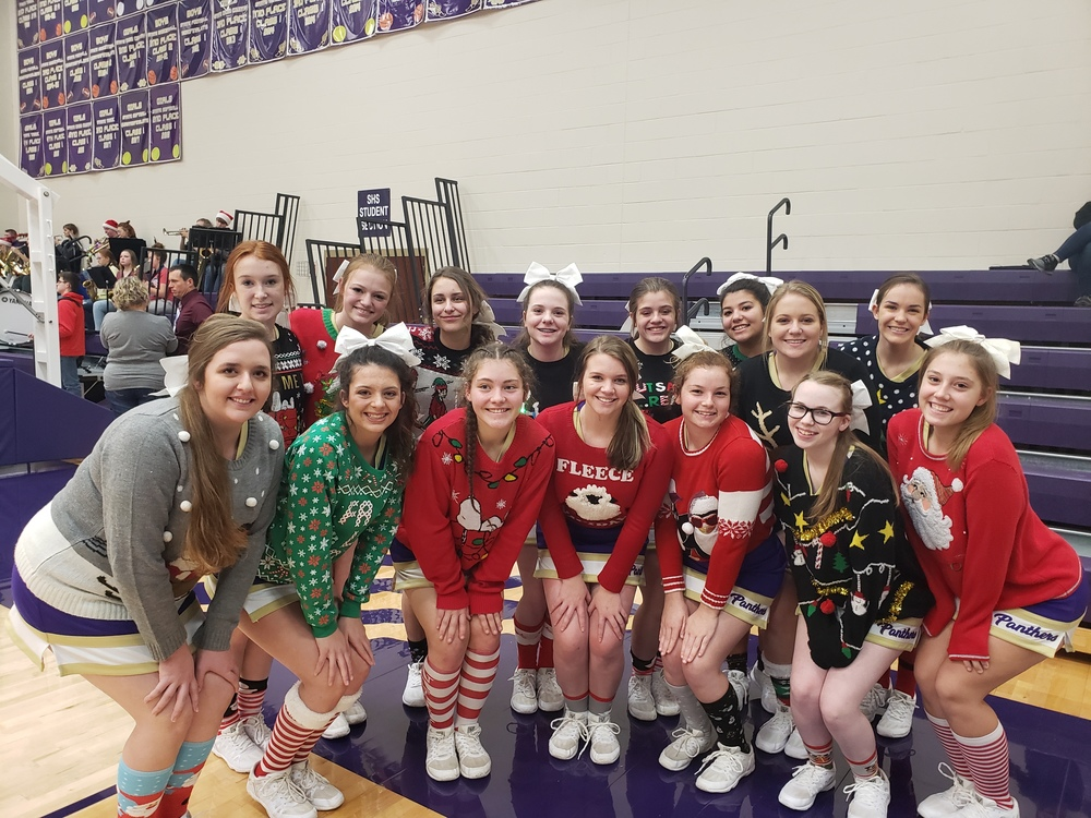 SHS Cheerleaders Show Their Christmas Spirit