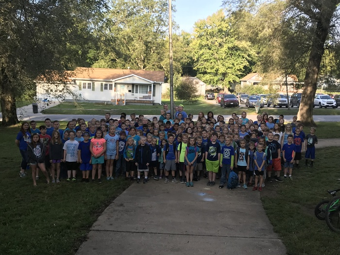SES Students Wear Blue