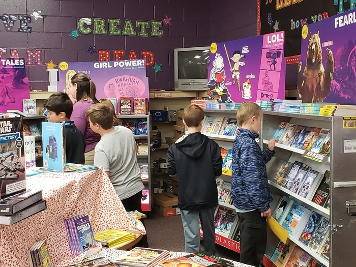 4th grade shopping at the Book Fair